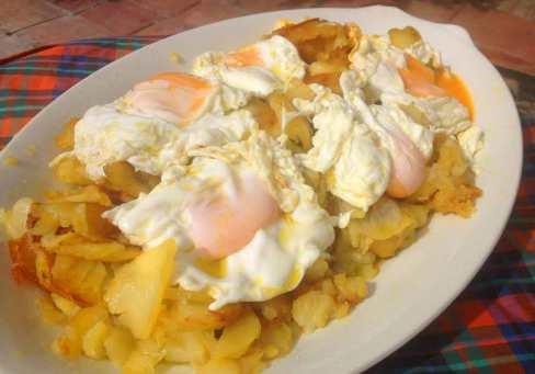 huevos-fritos-con-patatas