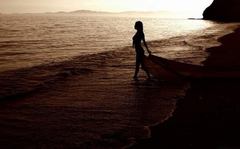 woman-walking
