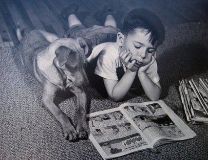 nic3b1o-y-perro-leyendo
