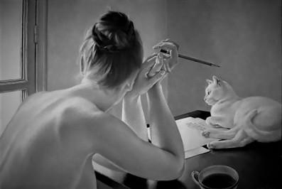 mujer-con-gato-escribiendo-1024x688